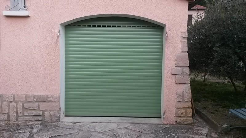 Portes de garages battantes sectionnelles lat rales for Fabricant porte de garage enroulable