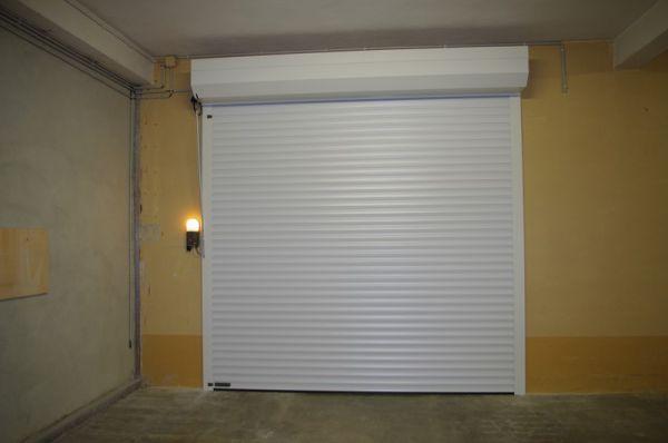 Entreprise menuiserie sur mesure vaison la romaine for Portes de garage battantes